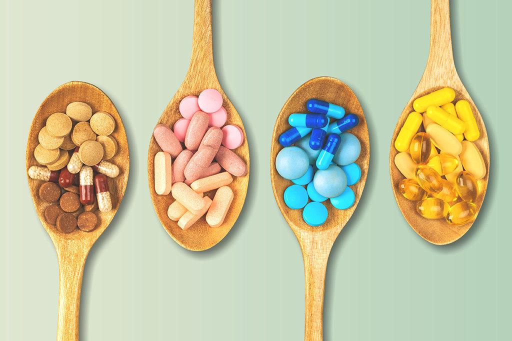 初期までに最重要となる「葉酸」はサプリメントで補うよう明記。